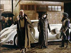 Quartermain, the Invisible Man (Tony Curran) and Captain Nemo (Naseeruddin Shah)
