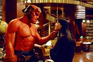 Hellboy (Ron Perlman) and Liz (Selma Blair) share a moment