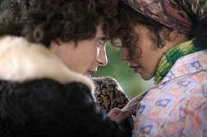 Cillian Murphy as Kitten and Ruth Negga as his best friend Charlie in Breakfast on Pluto