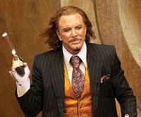 Mickey Rourke as Darius Sayle - a proper villain