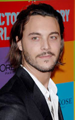 A gratuitous picture of Shrooms star Jack Huston