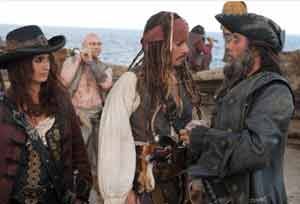 Penélope Cruz, Johnny Depp and Ian McShane in Pirates of the Caribbean 4
