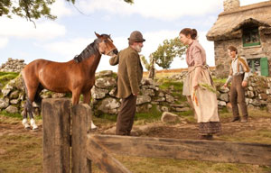Joey the horse with Peter Mullan and Emily Watson as Ted and Rose Narracott