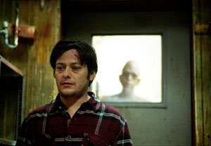 Edward Furlong and Michael Berryman in Below Zero