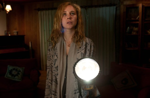 Juno Temple as Alicia in Magic Magic