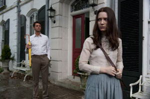 Matthew Goode as Uncle Charlie and Mia Wasikowska as India in Stoker