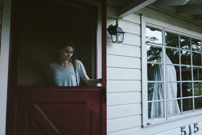 Rooney Mara and Casey Affleck in A Ghost Story