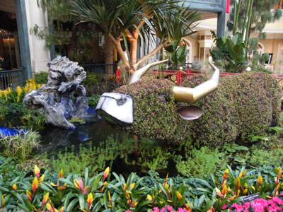 A topiary ox in the Bellagio conservatory